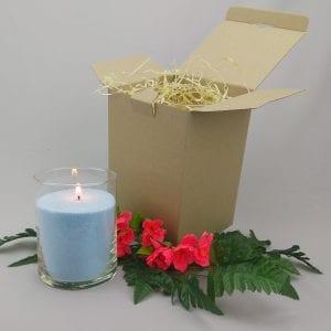 Голубая насыпная свеча 15 см в коробочке.