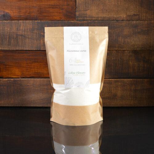 Белые насыпные свечи в фирменной упаковке 800 грамм.