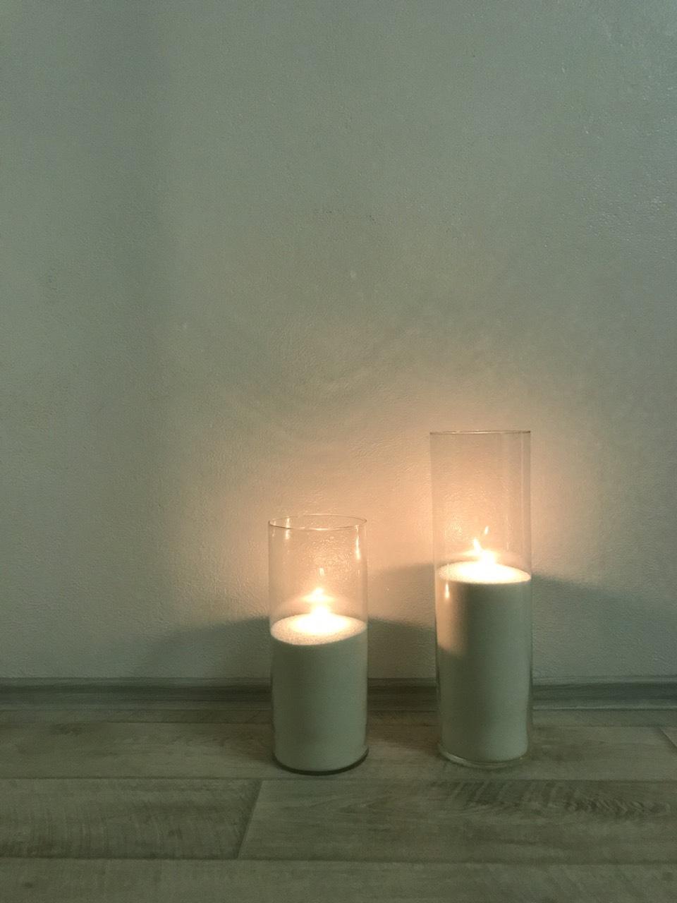 Насипні свічки у широких колбах