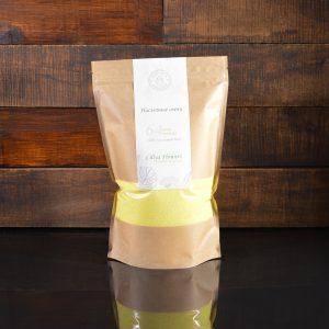 Ярко-желтые насыпные свечи в фирменной упаковке 800 грамм